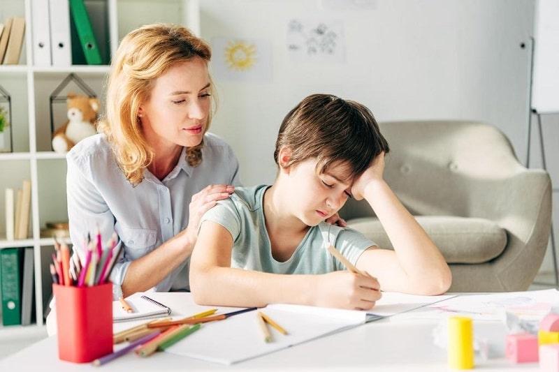 چه زمانی باید از روانشناس کودک کمک گرفت؟